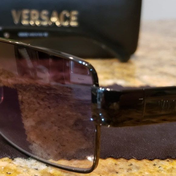 9d687e3f1b81 Authentic Versace Men s sunglasses. M 5c7cb19b0cb5aa5ab8490cf0. Other  Accessories ...
